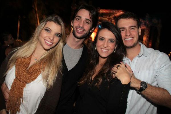 Daffynne Gonçalves, Daniel Caires, Juliana de Souza e Alexandre Freitas, na foto acima, foram lá conferir o som da funkeira. (Lula Lopes/Esp. CB/D.A.Press)
