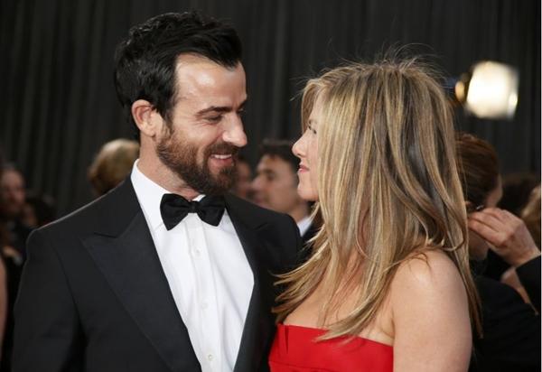 A atriz Jennifer Aniston e o ator Justin Theroux ficaram noivos em 2012 (Lucy Nicholson/ reuters/ DA Press)