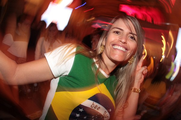 'Adorei os três gols e estou emocionada, nao esperava a vitória de 3 x 0!', Tatiane Freitas (Lula Lopes/Esp. CB/D.A Press)