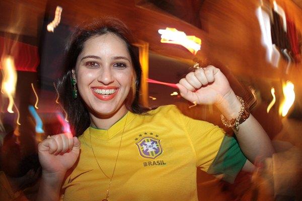 'Achei um jogo fantástico. A seleção jogou lindamente superando a expectativa da torcida', Samela Segóvia (Lula Lopes/Esp. CB/D.A Press)
