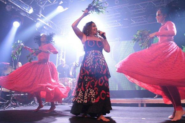 Daniela Mercury botou a pláteia para pular em show na Diesel (Lula Lopes/Esp. CB/D.A Press)