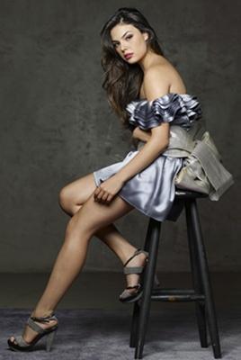 A atriz Isis Valverde já viveu Suellen na novela Avenida Brasil e a cantora Sereia na minisérie O canto da Sereia (Estilo de Vida/Divulgação)