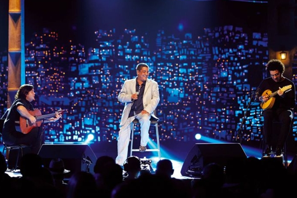 O cantor acaba de gravar um DVD, que contou com grandes participações (Guto Costa/Divulgação)