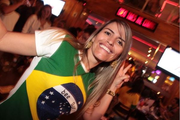 Tatiana Freitas à espera do jogo (Lula Lopes/Esp. CB/D.A Press)