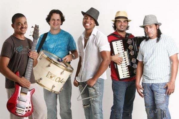 O grupo vai animar a noite com muito forró (SABINO LIMA/Divulgação)