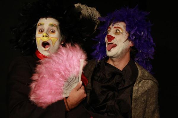 O teatro do absurdo de Ionesco inspira peça da Companhia da Ilusão (Frederico Ribeiro Ramos/Divulgação)