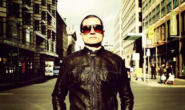O DJ brasiliense Hopper é uma das atrações desta noite (Giovanni Fernandes/Divulgação)