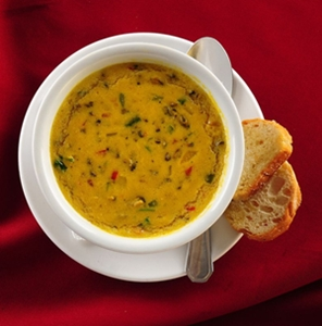 O caldo de sururu foi incorporado ao menu do Recanto do Camarão (Edilson Rodrigues/CB/D.A Press)