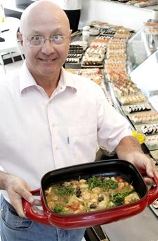 Dema manteve o prato no bufê por insistência dos clientes (Viola Júnior/Esp. CB/D.A Press)