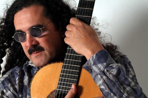 Moreira volta à cidade com repertório adequado ao são-joão e trio de sanfona, zabumba e triângulo (Lívio Campos/Divulgação)