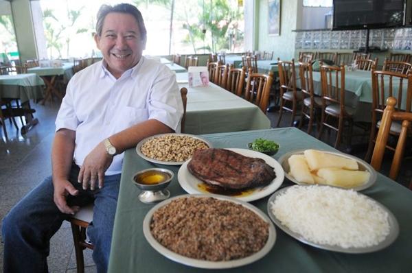O proprietário do Xique-Xique, Rubem Lucena, apostou na carne de sol para matar a saudade da terra-natal (Iano Andrade/CB/D.A Press)
