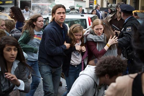 Brad Pitt em cena: o ator disputou com Leonardo DiCaprio o direito de levar às telas o livro de Brooks (Paramount/Divulgação)