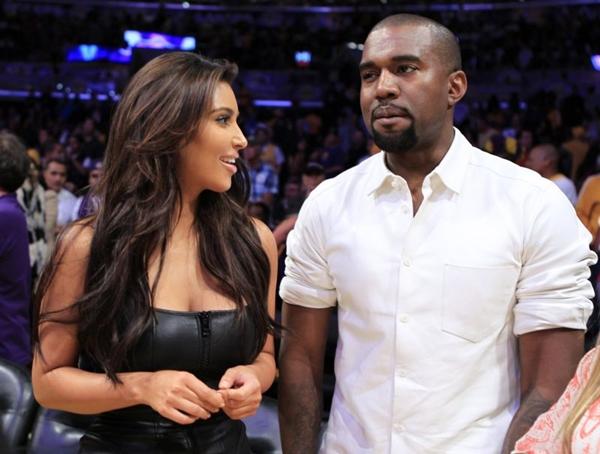 Segundo o Daily Mail, Kim Kardashian e o pai da bebê, Kanye West, ainda não fecharam negócio, mas estão dispostos a participar do ensaio fotográfico por uma boa ação (Lucy Nicholson/Reuters)