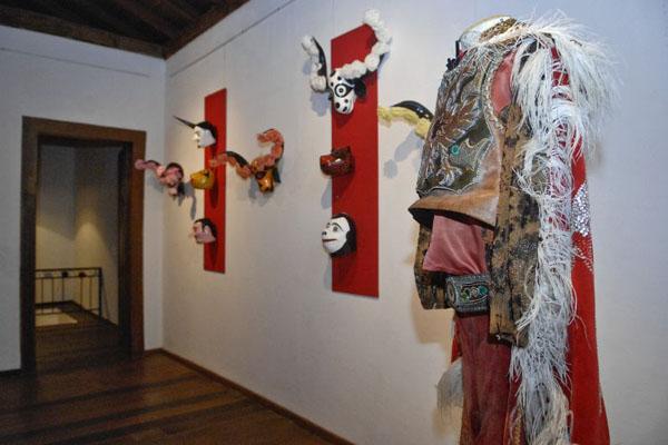 O Museu do Divino preserva relíquias da principal festa de Pirenópolis: objetos preservam a religiosidade do povo da cidade (Breno Fortes/CB/D.A Press)