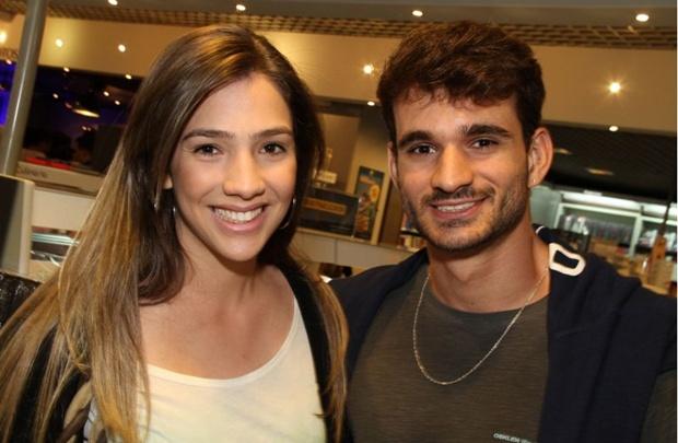 Alana Carvalho e Lucas Ramalho durante o show de lançamento na Fnac (Lula Lopes/Esp. CB/D.A Press)