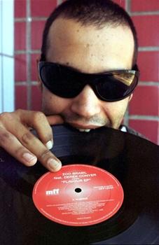 O DJ Oblongui vai animar a festa (Paulo de Araujo/CB/D.A Press)