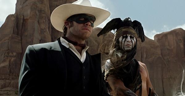 Armie Hammer e Johnny Depp em cena do filme 'O cavaleiro solitário'  (Reprodução/Internet)
