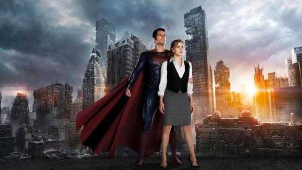 Henry Cavill, O Super-Homem, e Amy Adams, a Lois Lane, se conhecem numa expedição alienígena: única novidade (Warner Bros/Divulgação)