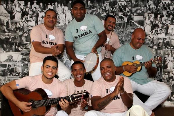 O grupo Bom Partido comanda a Calafieira, no Bar do Calaf (Amanda Lima/Divulgação)