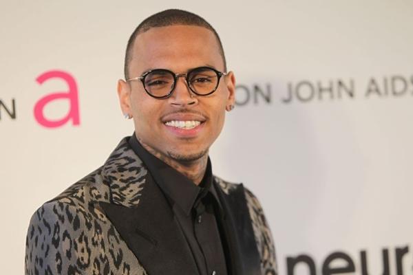 O cantor foi condenado em 2009 por agredir a Rihanna ( MEHDI TAAMALLAH)