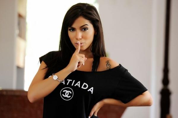 A cantora comanda show na boate Villa Mix (Washington Possato/Divulgação)