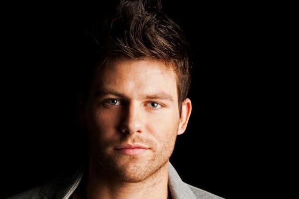O cantor Gabriel Corrêa, da banda Daros, é um dos artistas a comandar o esquenta (Divulgação)