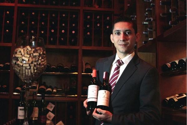 'Para harmonizar um prato francês, o melhor a se fazer é casar a região do prato com a do vinho' Francisco Chaves,  sommelier (Viola Júnior/Esp. CB/D.A Press)