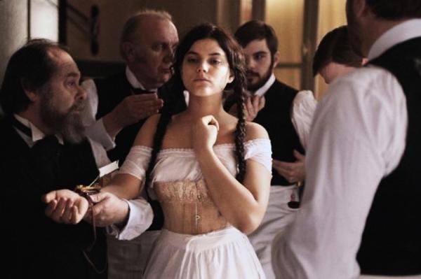 Stéphanie Sokolinski interpreta a protagonista do francês Augustine (Imovision/Divulgação)