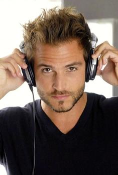 O DJ traz influências de deep house e promete um som dançante (Reprodução/Internet)