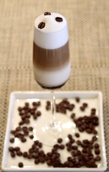 Drink do chef: licor Baileys, leite vaporizado e açúcar mascavo (Viola Júnior/Esp. CB/D.A Press)