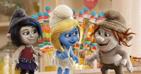 A mistura de atores reais com animação em 3D, usada no primeiro filme, se mantém em Smurfs 2 (Columbia Tristar/Divulgação)