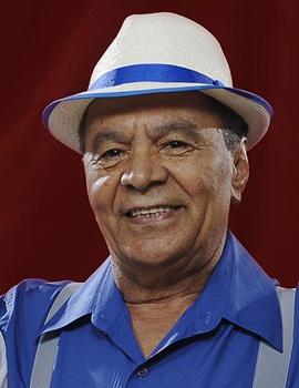 Acompanhado por músicos da cidade, Monarco faz show na Apcef  (Rogerio Reis/Divulgação)
