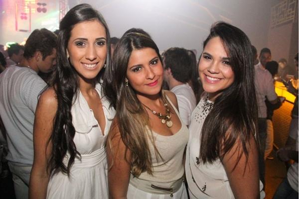 Bruna Souto, Tabata Freitas e Marília Lopes na festa Pacha White Party (Luis Xavier de França/Esp. CB/D.A Press)