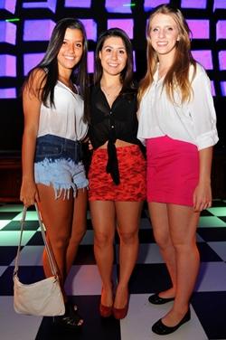 Clara Antunes, Débora Pinto e Dayanna Rosa, na boate Mokaï (Luis Xavier de França/Esp. CB/D.A Press)
