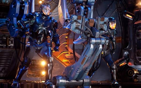 Os Jaegers (caçadores, em alemão): pilotados por humanos, esses robôs gigantes defendem a humanidade (Warner/Divulgação)
