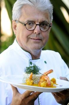 Carlos Augusto Veloso aposta na combinação entre laranja e camarão em prato do Le Jardin du Golf (Carlos Vieira/CB/D.A Press)