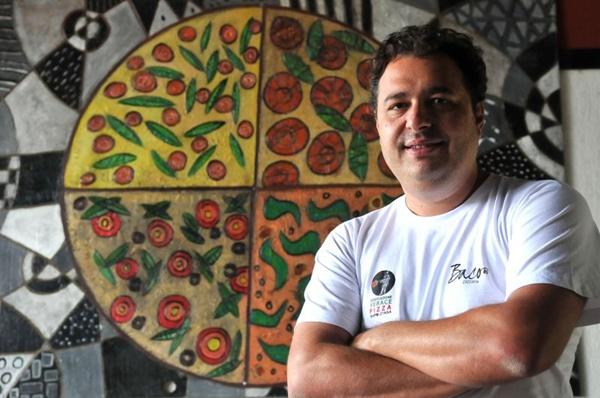 Gil Guimarães foi buscar na Itália inspiração para pizza de pera com gorgonzola (Marcelo Ferreira/CB/D.A Press)