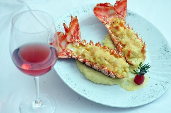 Vinho rosé acompanha o crustáceo preparado à Thérmidor (Breno Fortes/CB/D.A Press)