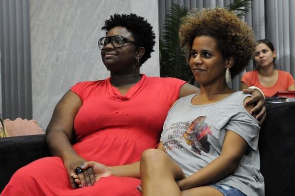 A cantora Ellen Oléria acompanhada da namorada Poliana Martins (Edílson Rodrigues/CB/D.A Press)