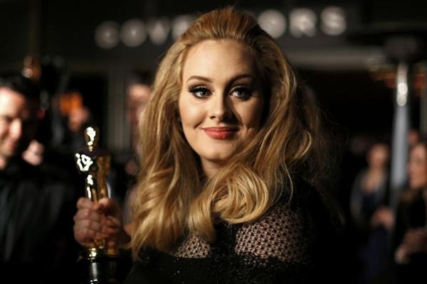 Dos palcos para as telonas: Adele debutará como vilã nos cinemas em 2014 (LUCAS JACKSON)