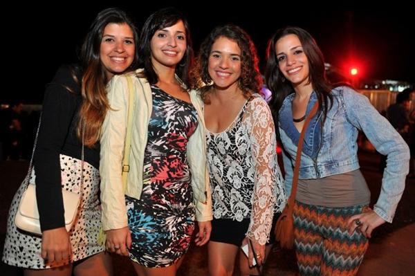 Cláudia Castro, Helena Amaral, Moema Castro e Milenna Medeiros durante a festa Funfarra, no Minas Brasília Tênis Clube (Luis Xavier de França/Esp. CB/D.A Press)