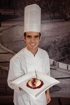Guilherme Braga, do restaurante Places, criou uma codorna recheada  (Gastrô Comunicação/Divulgação)