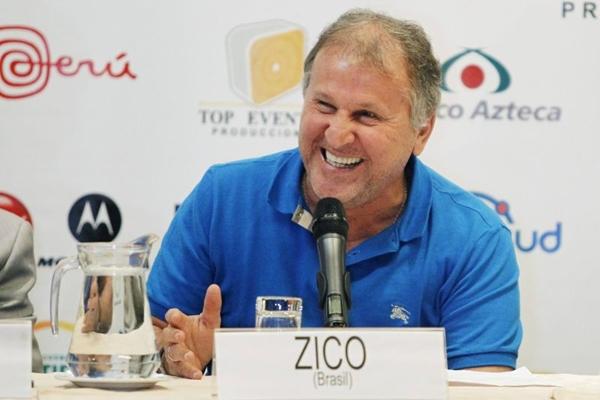 Chef de restaurante homenageia ex-jogador Zico com nome de prato feito com camarão (REUTERS/Enrique Castro-Mendivil )