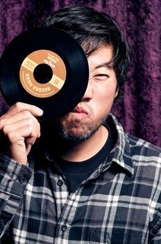 O DJ Tahira é atração na festa (Ariel Martini/Mistura Fina)