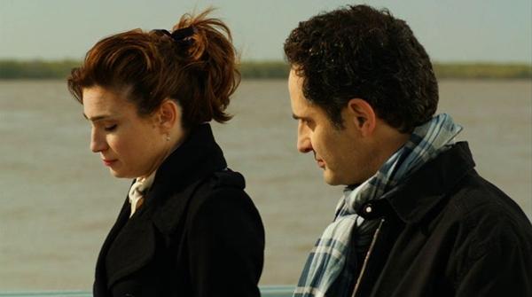 Valéria Bertuccelli e o estreante Jorge Drexler vivem romance tardio (BD Cine Gullane Filmes/Divulgação)