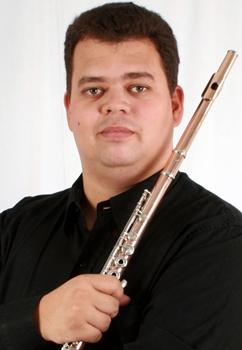 O músico vai homenagear o mestre da flauta (Jefferson Norlei/Divulgação)