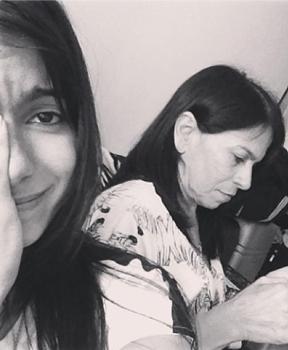 A cantora postou uma foto ao lado da mãe e lamentou o ocorrido (@euanitta/Instagram/Reprodução)
