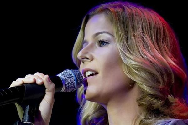 A cantora se apresenta no Pátio Brasil (Fabricio Barreto/Divulgação)