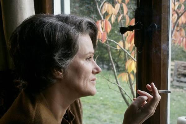 Atriz Barbara Sukowa em cena do filme Hannah Arendt (Esfera Cultural/Divulgação)