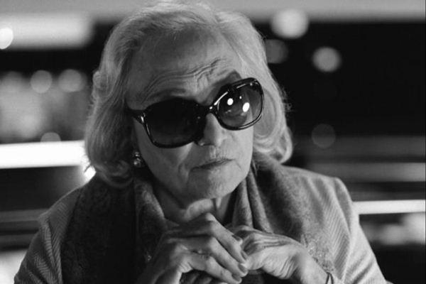 A idosa Aurora (Laura Soveral): protagonista é mostrada no fim da vida e na juventude (Espaço Filmes/Divulgação)
